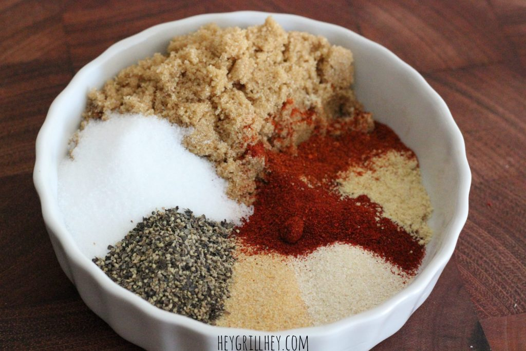 small bowl containing all ingredients to make bbq rub.